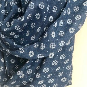 Accessories - Blue boho patterned Infinity spring scarf